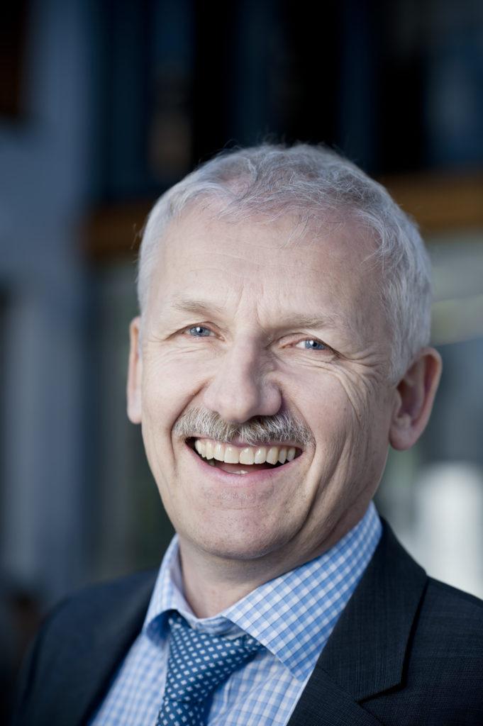 Hier sehen Sie Herrn Prof. Dr. Gerhard Winter.
